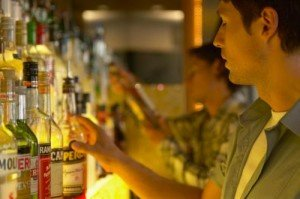 How to Become a Head Bartender