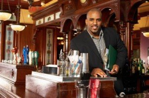 How to Become a Beverage Manager