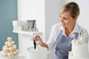 How to Become a Cake Decorator